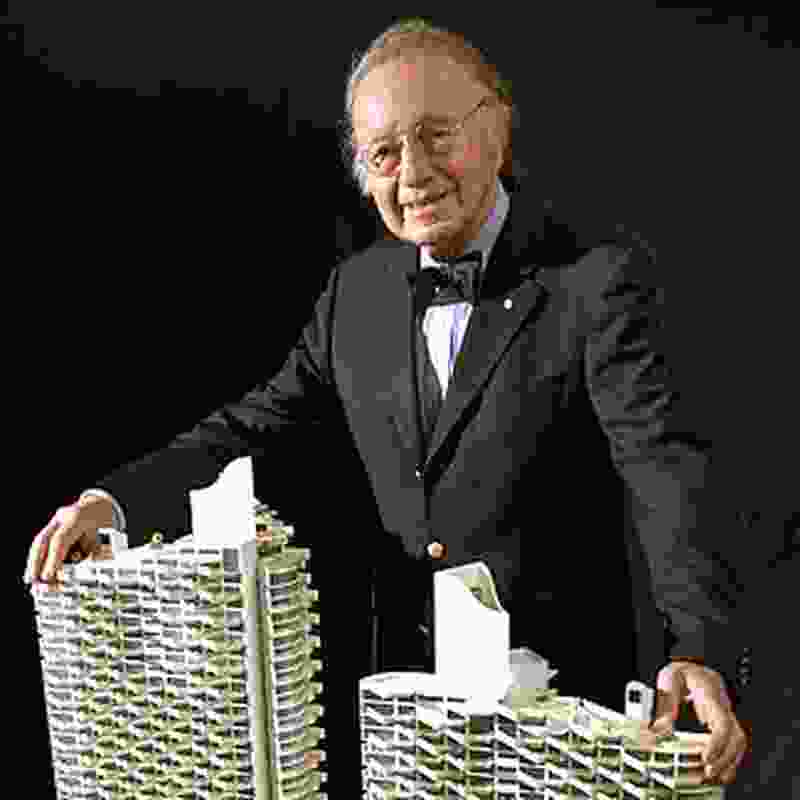 Architect Harry Seidler with model of Westpoint Towers, Perth (unbuilt), 2005.