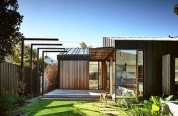 Precise and proud: Light Saw House