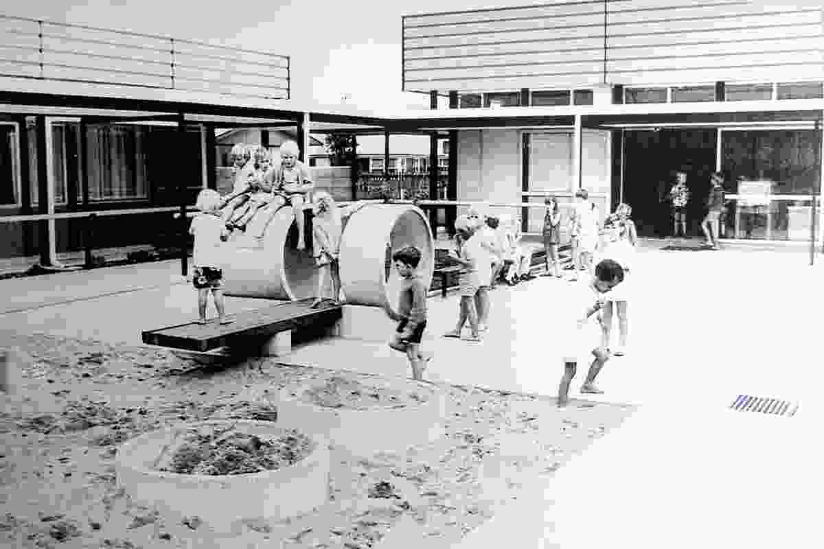 Enduring Architecture winner: Deanwell School (1968) by South Auckland Education Board – Architectural Board. Architects were S.V. Mrkusic and J.W. Kellaway.