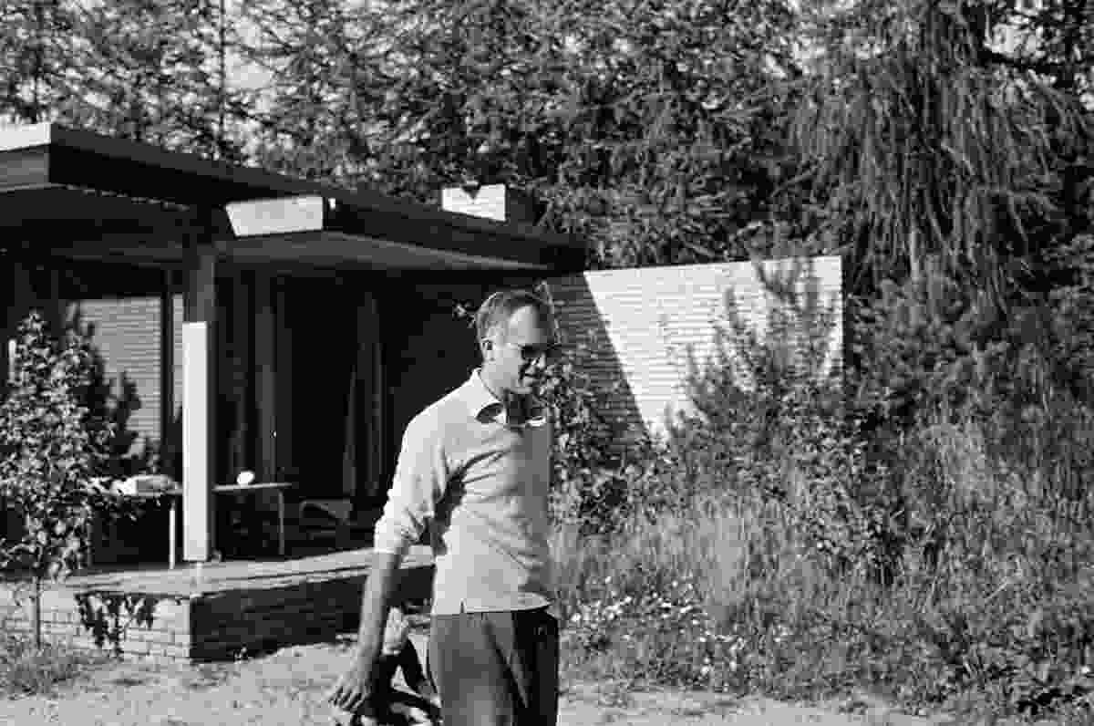 Jørn Utzon at the Utzon House in Hellebæk.