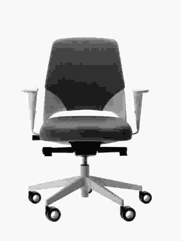 Arin chair by Akaba.