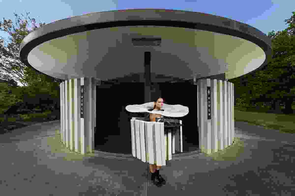 Round Toilet (Roy Grounds) by Rachel Saunders, Athiqah Ummi Salma and Jasmine Lau.