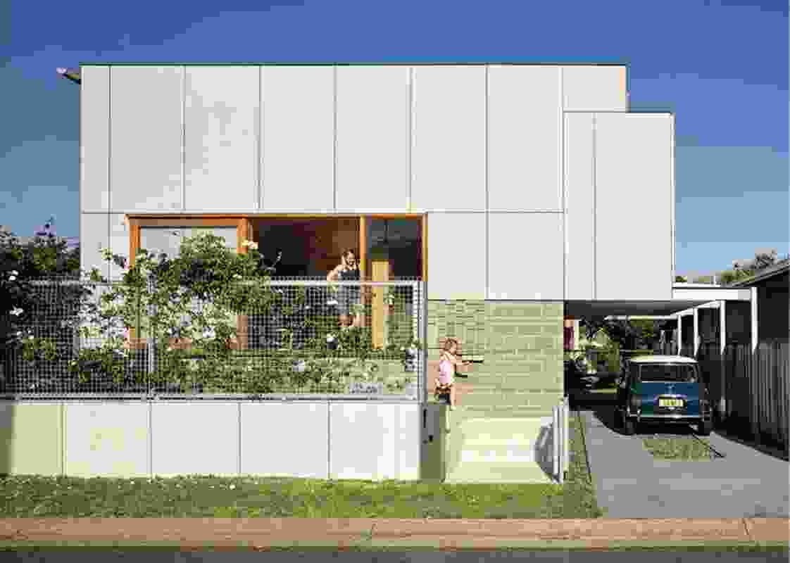 Waratah Secondary House by Anthrosite.