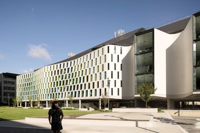 UTS Science Faculty, Building 7 by Durbach Block Jaggers Architects + BVN.