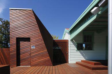 Maidstone Tennis Pavilion by Searle x Waldron Architecture.