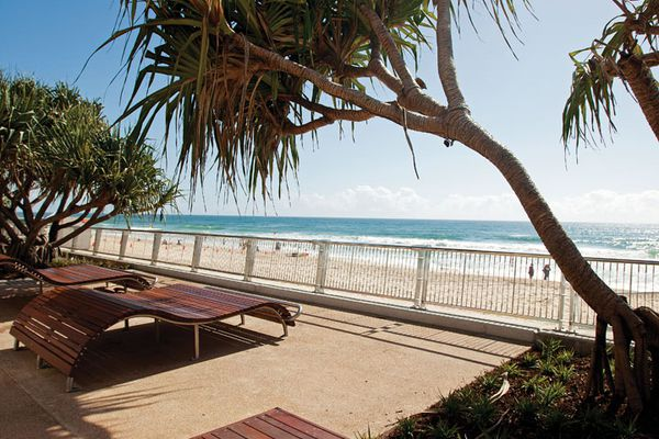 Surfers Paradise foreshore submitted by Place Design Group.
