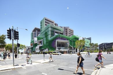 The Lady Cilento Children's Hospital occupies a prominent site in South Bank, Brisbane and serves as an urban counterpoint to the CBD.