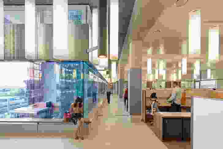 Translational Research Institute by Wilson Architects and Donovan Hill (architects in association).