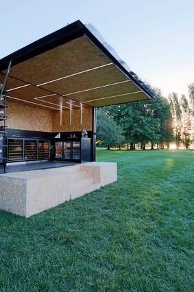 Pop Inn by Daryl Jackson Alastair Swayn Architects.