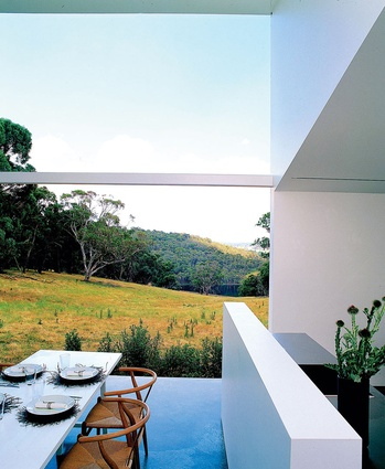Bombala Farmhouse: A one-room house with two scales of space within it.