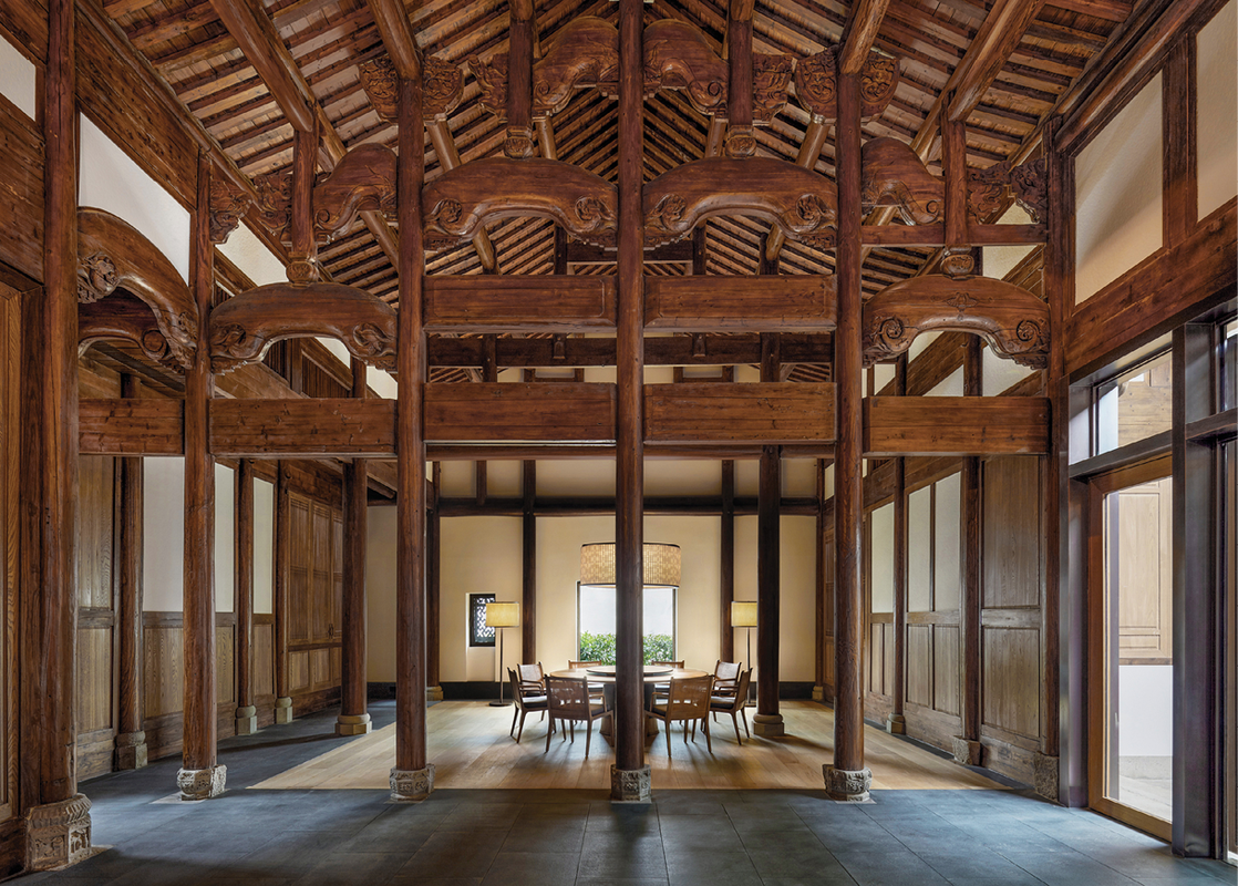 Set among the rescued camphor trees, Amanyangyun incorporates antique buildings – mainly ancestral homes – that have been carefully reconstructed and configured as guest villas.