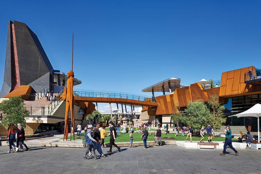 The square's design integrates architecture, landscape and art, including a nine-metre statue, Wirin, designed by Tjyllyungoo (aka Lance Chadd) and sculpted working with Stuart Green from Big Spoon Art Services.