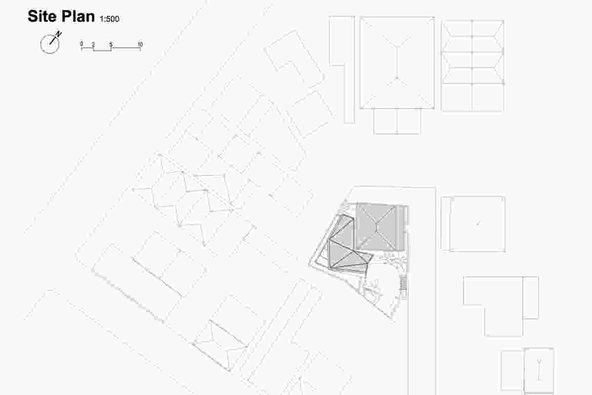 Site plan at 1:500 showing adjoining neighbours.