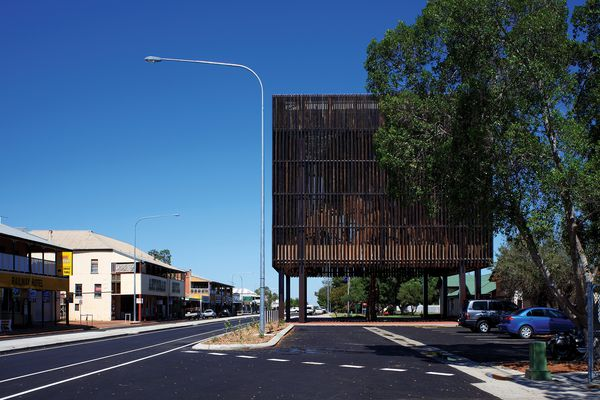 Main Street Barcaldine by M3 Architecture and Brian Hooper Architect (architects in association)