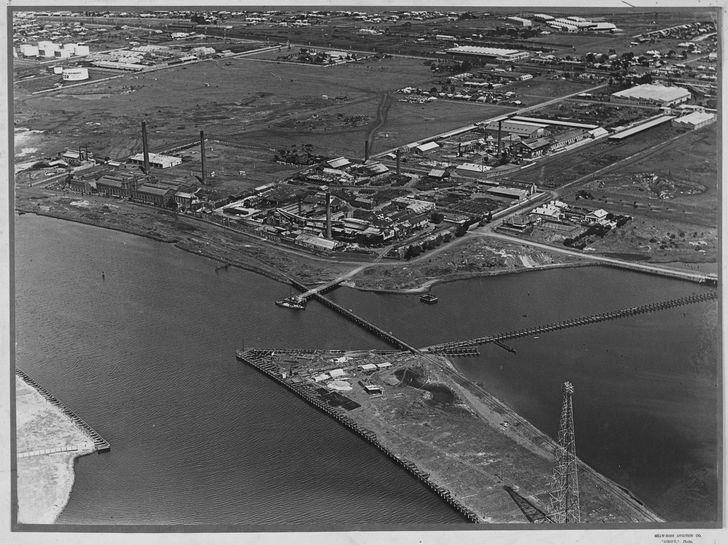 Aerial view of the Melbourne and Metropolitan Board of Works pumping station at Spotswood, Commonwealth Oil Refineries and Australian Glass Manufacturers, circa 1930.