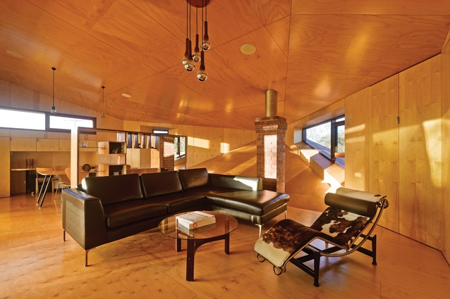 CASA31_4 Room House by Caroline Di Costa Architect and Iredale Pedersen Hook (joint venture)