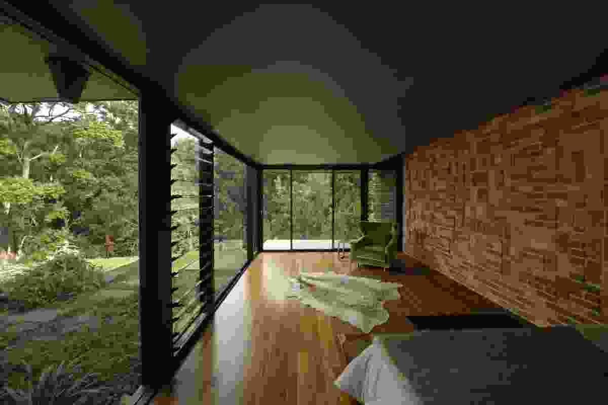 Interior of Mulconda by Hrmphrdt.