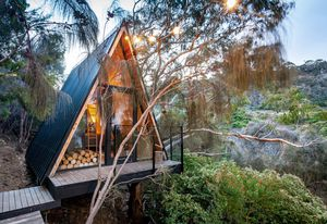 Crump Treehouse by Crump Architects.