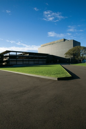 The austere geometries and material palette of the new Camperdown campus landscape sit equally well with the nineteenth and twentieth century architecture.