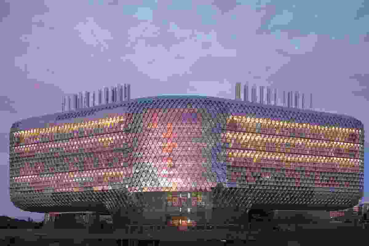 The South Australian Health and Medical Research Institute (SAHMRI) by Woods Bagot accommodates up to 675 researchers.