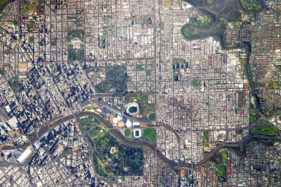 Aerial view of the Yarra River.
