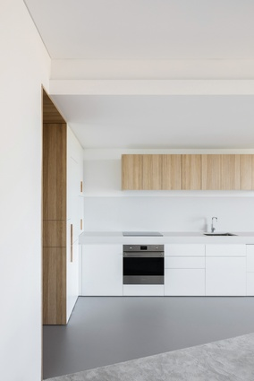 Darling Point Apartment by Brad Swartz Architects.