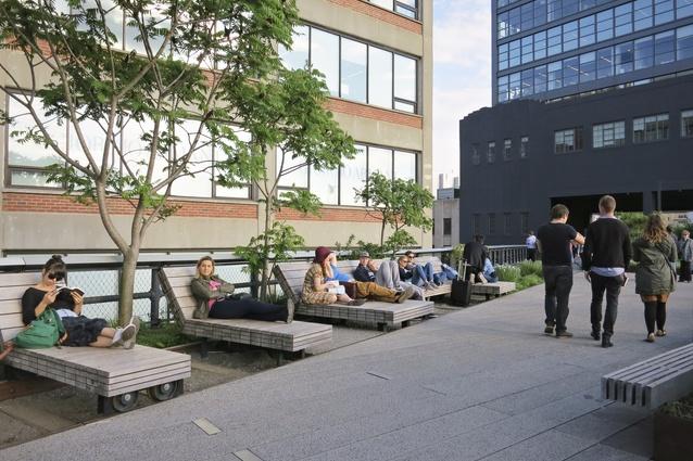 Diller von Furstenberg sundeck on the High Line by Diller Scofidio + Renfro and James Corner Field Operations.